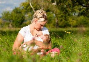 10 Steps to Successful Breastfeeding